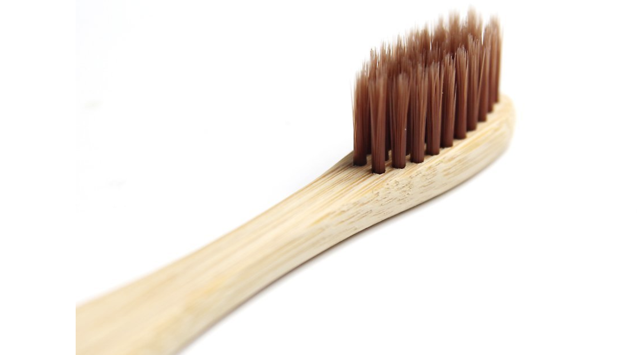 Cepillos de dientes de bambú ecológicos y biodegradables ... fcd3ba05d73a